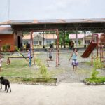sozial-benachteiligte-kinder-kinder-auf-den-philippinen-auf-dem-spielplatz